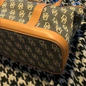 Dooney & Bourke Bags - Dooney & Bourke Handbag